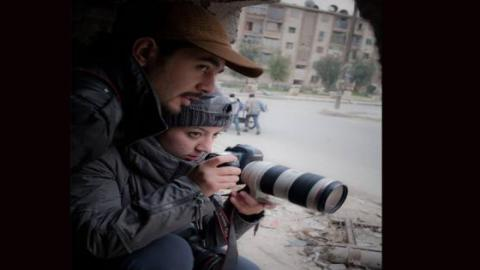 Photographers Hamid Khatib and Nour Kelze, in Aleppo. Source: Khatib´s facebook page.