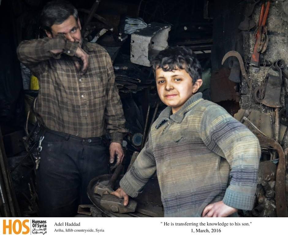 عادل حدَّاد، أبو الحسن، مع ابنه، المصدر، صفحة الإنسان في سوريا، تم التقاط الصورة بتاريخ 1/3/2016، أريحا, ريف ادلب, سوريا.