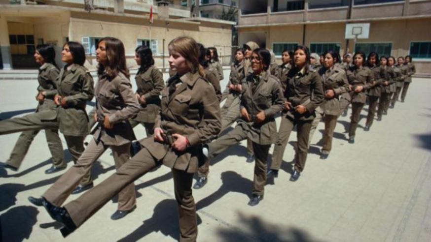 أن تكوني امرأة في سوريا المعسكرة